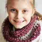 Two colour cowl beginners crochet pattern